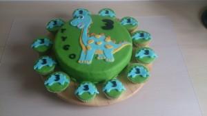 Dinotaart met cupcakes