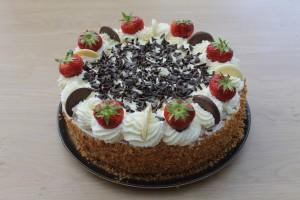 Slagroomtaart fruit en chocolade