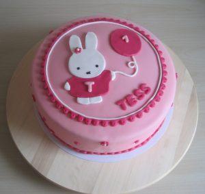 nijntje taart bestellen nijntje   1 jaar!   CakeM taarten & cupcakes uit Deventer nijntje taart bestellen