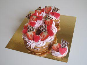 Cookie cake aardbeien, chocola en snoepharten